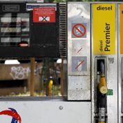 Les prix des carburants à la pompe continuent de baisser