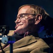 Stephen Hawking veut jouer le méchant dans James Bond