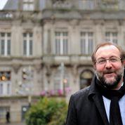 Hénin-Beaumont : élu sur la liste de l'ex-PS Dalongeville, il rallie le FN