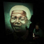 Les Sud-Africains se recueillent un an après la mort de Mandela