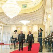 Au Kazakhstan, Hollande appelle Moscou à la «désescalade»
