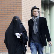 Femmes portant le niqab: bras de fer entre Valérie Pécresse et Rachid Nekkaz