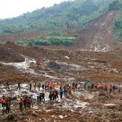 Des centaines de personnes évacuées après un glissement de terrain en Indonésie