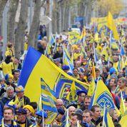 Une marée jaune et rouge de supporters défile à Clermont