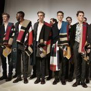 Écharpes et foulards dans le coup pour les hommes