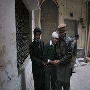 Au Pakistan, les talibans massacrent plus de 130 enfants