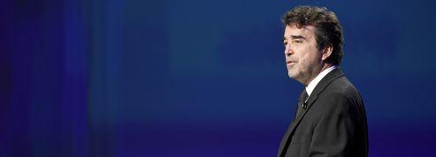 Arnaud Lagardère tourne la page de l'industrie