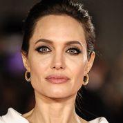 Angelina Jolie a joué une scène érotique avec Brad Pitt