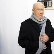 Tunisie : l'ex-premier ministre Caïd Essebsi remporte la présidentielle