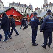 Manuel Valls renforce Vigipirate pour la période des fêtes de fin d'année