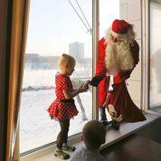 Suivez le Père Noël lors de sa tournée des cadeaux