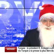 Un présentateur d'iTÉLÉ se prend pour le Père Noël