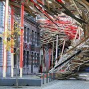 Après son effondrement, l'oeuvre monumentale de Mons est déjà en reconstruction