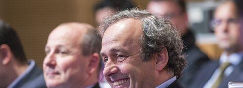 Platini insiste pour introduire le carton blanc en football