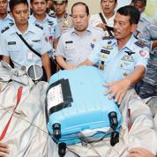 Le mystère du crash d'AirAsia reste entier