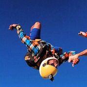 Benzema sanctionné par son club pour un saut en parachute ?