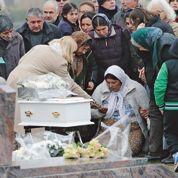 À l'enterrement du bébé rom de l'Essonne, les chrétiens solidaires