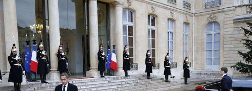 Après sa rencontre avec Hollande, Sarkozy appelle «à s'unir contre la barbarie»