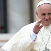Le pape organise une loterie de charité avec ses cadeaux