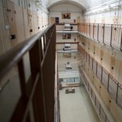 Prison: Valls veut généraliser l'isolement des islamistes radicaux