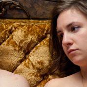 Lena Dunham dévoile sa poitrine en guise de protestation