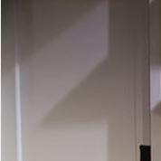 Kelly Brook entièrement nue dans la série d'Ellen DeGeneres
