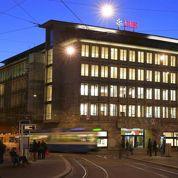 Franc suisse: les financiers évaluent les dégâts