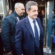 Sarkozy pris pour cible par la majorité et le gouvernement
