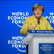 Merkel salue l'indépendance de la BCE et presse la France de se réformer