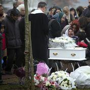 Refus d'enterrer un bébé rom: la décision du maire de Champlan jugée «illégale»