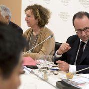 Davos : Hollande débute par un déjeuner avec des grands patrons