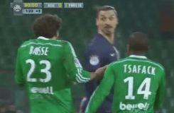 Quand Zlatan veut humilier un Stéphanois en plein match