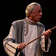 Mario Vargas Llosa éblouit la scène à 78 ans