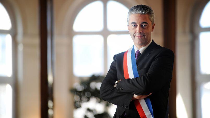 asnieres-des-collaborateurs-du-maire-ump-accuses-d-antisemitisme