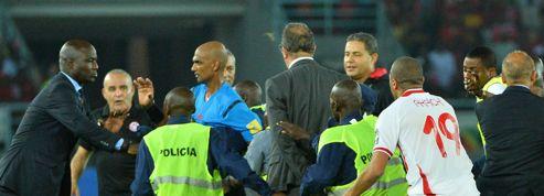 Les images de la sortie houleuse de l'arbitre de Guinée équatoriale-Tunisie