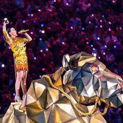 Katy Perry enflamme le Super Bowl avec ses meilleurs tubes