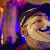Le FBI range un hacker d'Anonymous dans une liste de terroristes