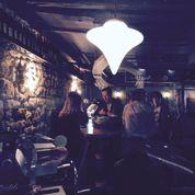 Aetna, bar à vins qui pète le feu