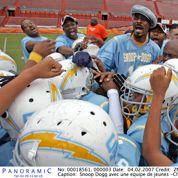 Le fils de Snoop Dogg signe dans une prestigieuse université de foot