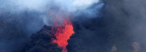 À la Réunion, le Piton de la Fournaise est entré en éruption