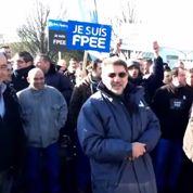 Des salariés font grève contre les actionnaires et récupèrent leurs patrons