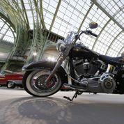 La Harley-Davidson de Benoît XVI moins prisée que celle du Pape François