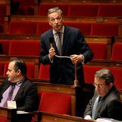 Loi Macron : des défections à droite qui ont coûté cher au gouvernement