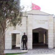 L'armée turque entre en Syrie pour protéger un mausolée