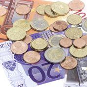 Laurent Fabius ose reconnaître que la baisse de l'euro appauvrit les Français