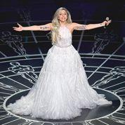 Oscars 2015 : Lady Gaga interprète La Mélodie du bonheur