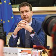 La Grèce plie sous la pression de l'Europe