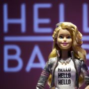 Intelligente, la future Barbie inquiète la presse allemande