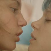 Deneuve, Seydoux... Les baisers lesbiens au cinéma