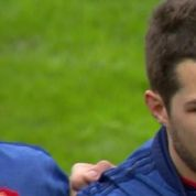 Un joueur du XV de France en larmes sur la Marseillaise